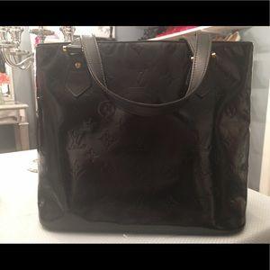 Authentic Louis Vuitton Houston Vernis Purse